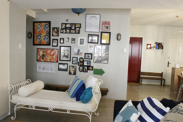 Her gallery of photos and art work facing the living room where we chatted endlessly.