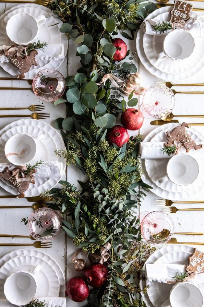 Christmas Dinner Table Decorating Ideas To Set The Holiday Mood